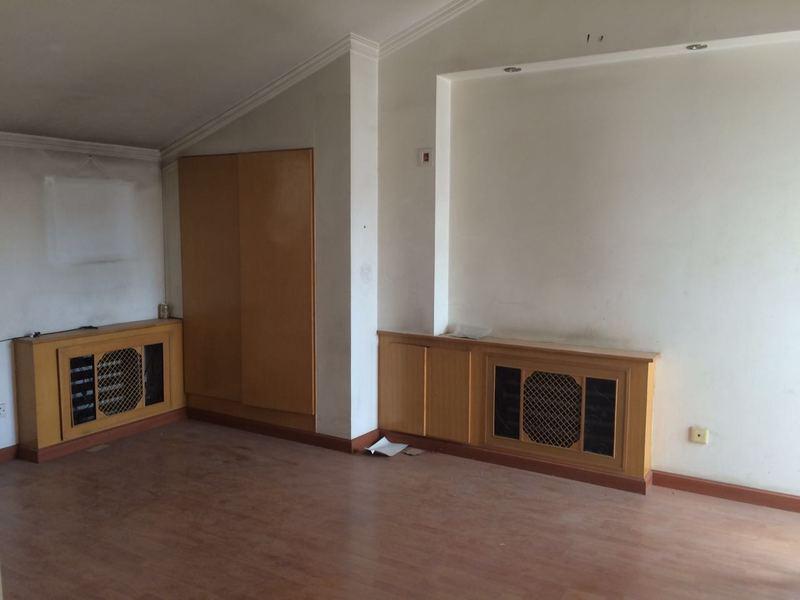 成都二手房装修要避免新刷墙面频频掉漆现象