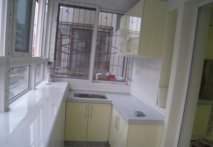 成都二手房装修中阳台改厨房油烟变得麻烦